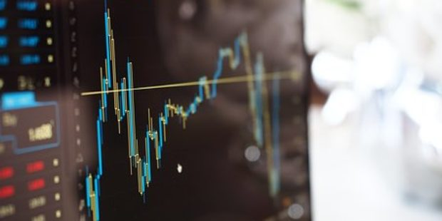 New ETF Shifts Between Stocks And Bonds
